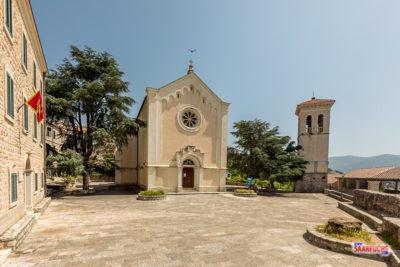 Kleine Kirche beim Hafen von Herceg-Novi