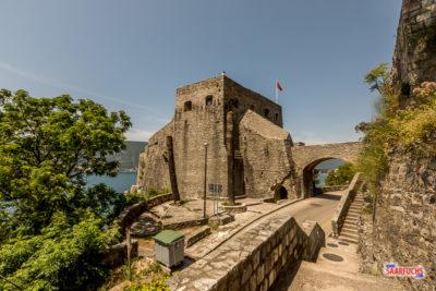 Untere Festung am Hafen von Herceg-Novi