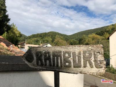Wegweiser zur ramburg in Ramberg